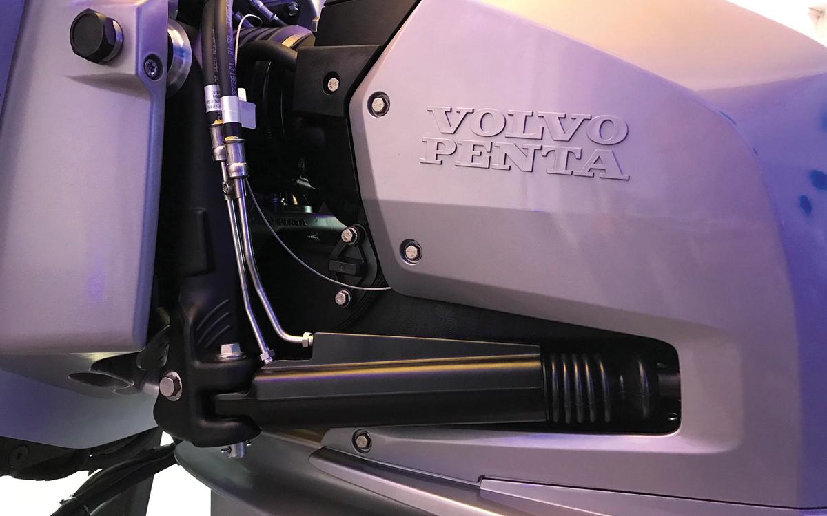 Volvo-D6-DPI-drive-steering-ram