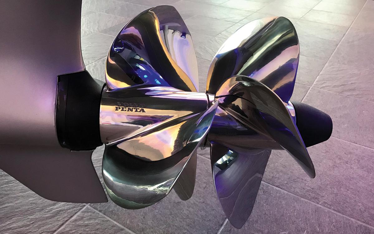 Volvo-D6-DPI-propellers