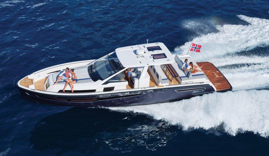 Windy-SR44-blackhawk-open-yacht-video-tour