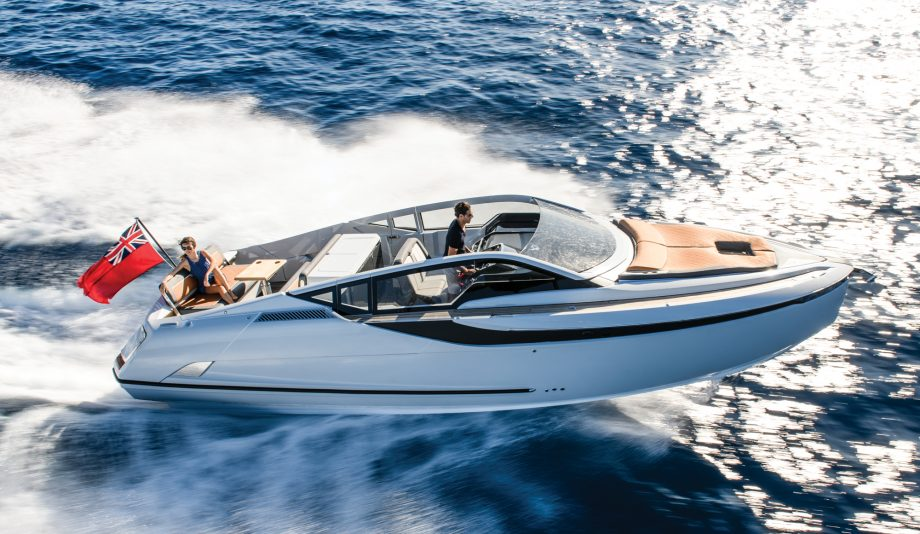Fairline-F-Line-33-test-drive-video