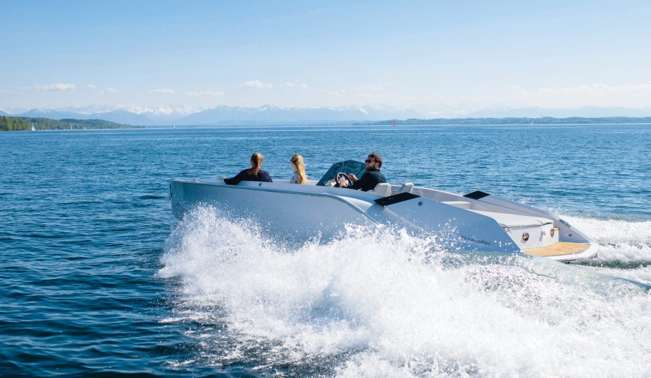 Frauscher-740-mirage-electric-boat-running-shot-hero