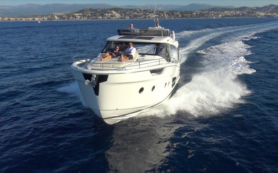 Greenline-45-Flybridge-yacht-bow-running-shot