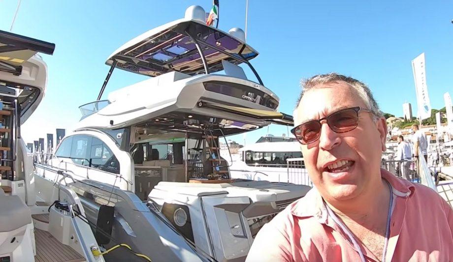 aquaholic-yacht-tour-cranchi-e52-selfie