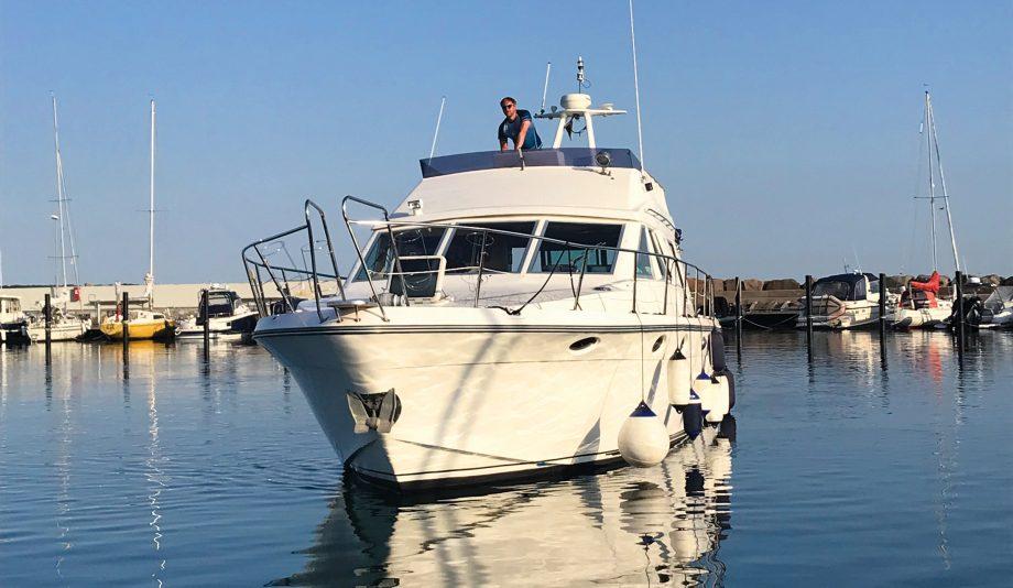 classic-motor-yacht-restoration-birchwood-ts44-exterior-after-credit-geir-emil-westrum