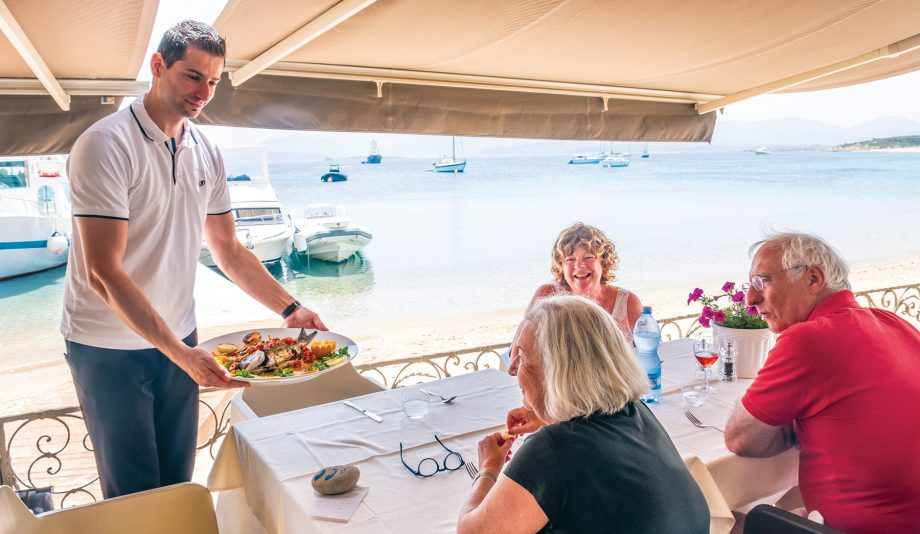 cruising-sardinia-tavolara-lunch-credit-gilbert-park