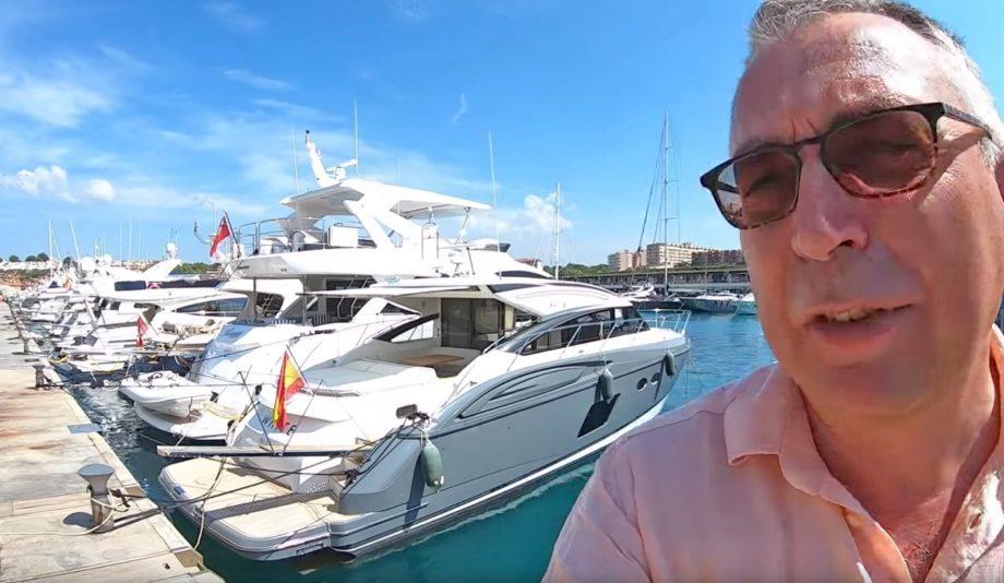 aquaholic-yacht-tour-princes-v57-selfie