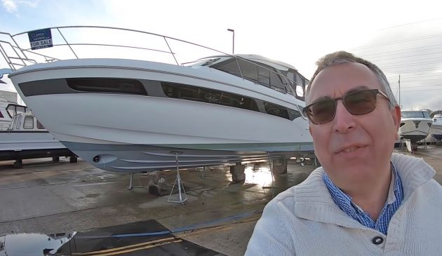 aquaholic-yacht-tour-bavaria-s40-selfie