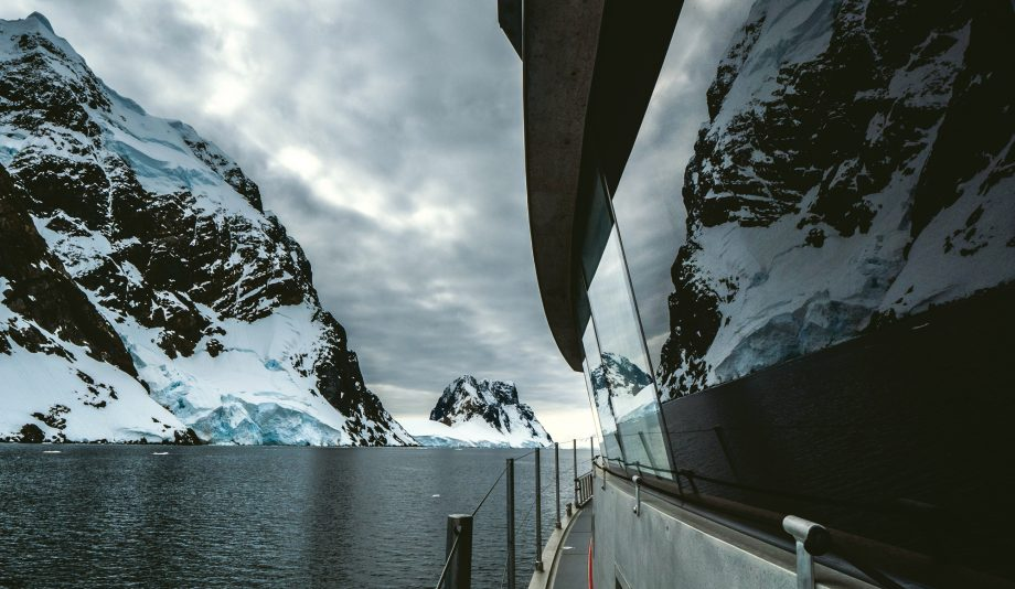 cruising-antarctica-fpb-78-iron-lady-side-deck-credit-rossin-watson-lucas