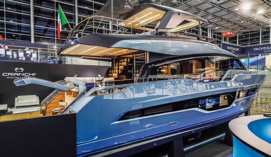 Cranchi-78-luxury-flybridge-yacht-tour-video-dusseldorf-boat-show-credit-hugo-andreae