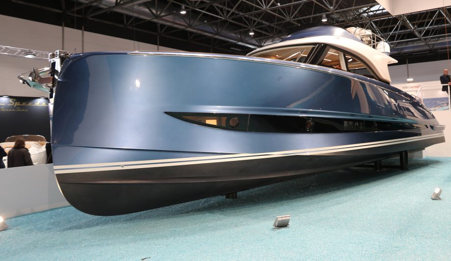 solaris-power-48-lobster-flybridge-yacht-tour-dusseldorf-boat-show-2020-video