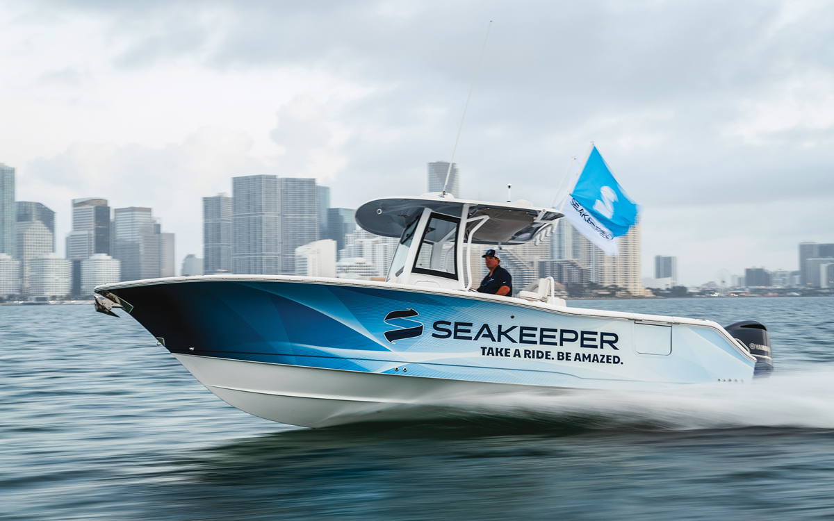 Seakeeper-1-compact-stabiliser-27ft-centre-console-boat-running-shot