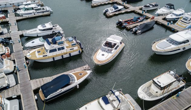 how-to-berth-a-single-engined-boat