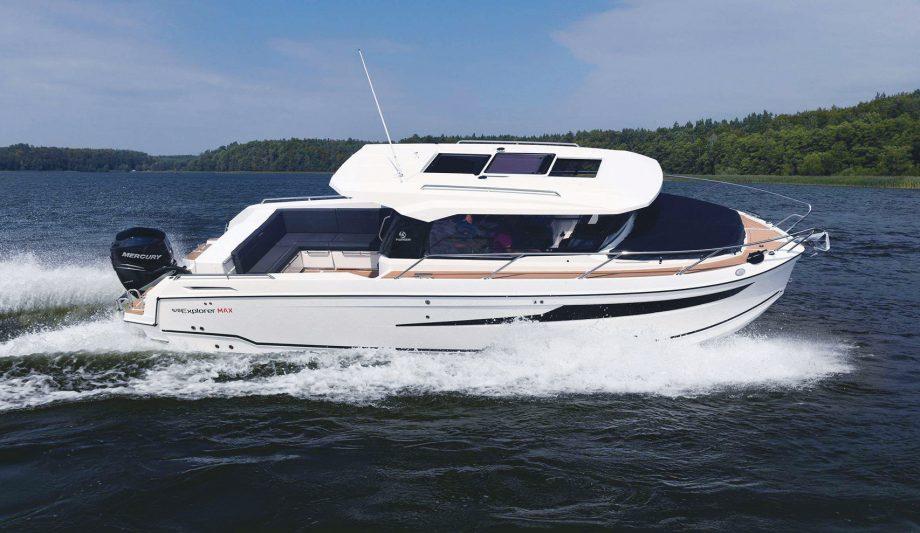 parker-920-max-yacht-tour-video