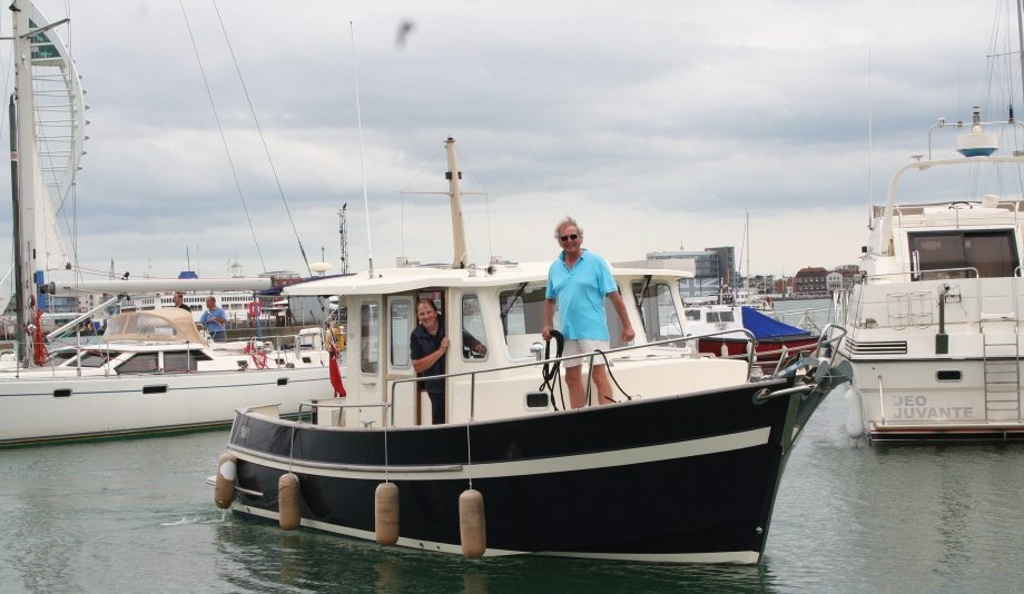 cruising-around-Britain-rhea-850-padstow-to-gosport-arriving-credit-nigel-boutwood