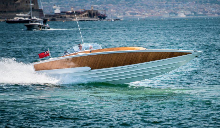 Gianni-Agnelli-boat-G-Cinquanta-running-shot-credit-RM-Sothebys-Remi-Dargegen