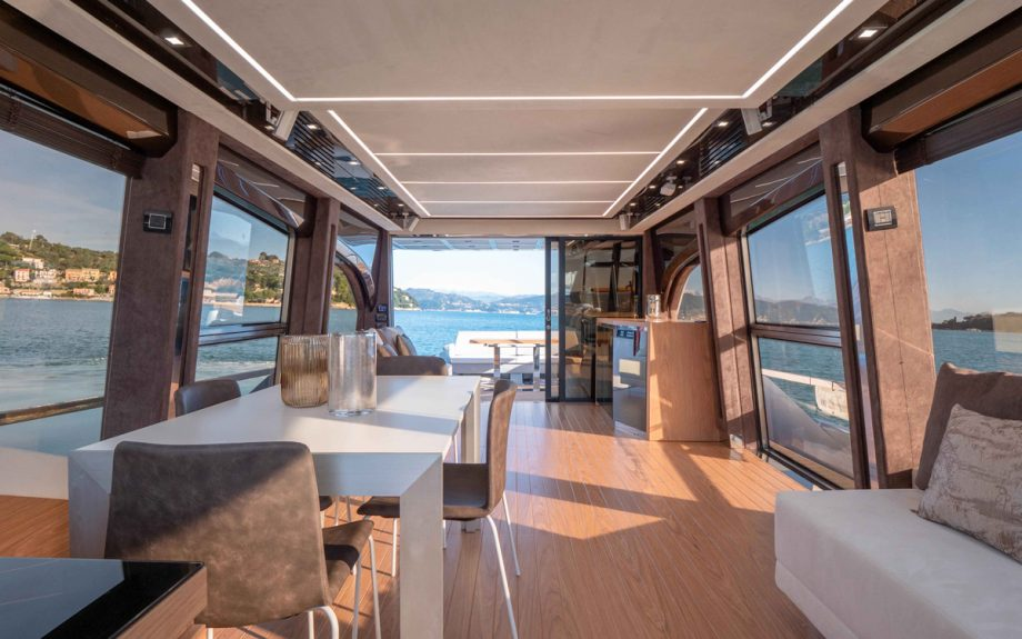 Sessa-Gullwing-Fly-68-yacht-Interior-saloon
