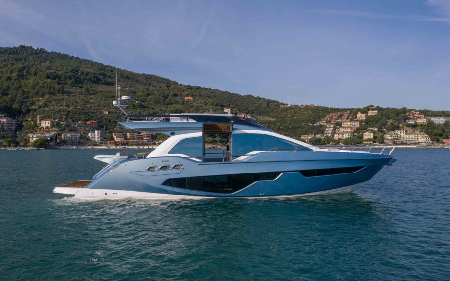 Sessa-Gullwing-Fly-68-yacht-side-view