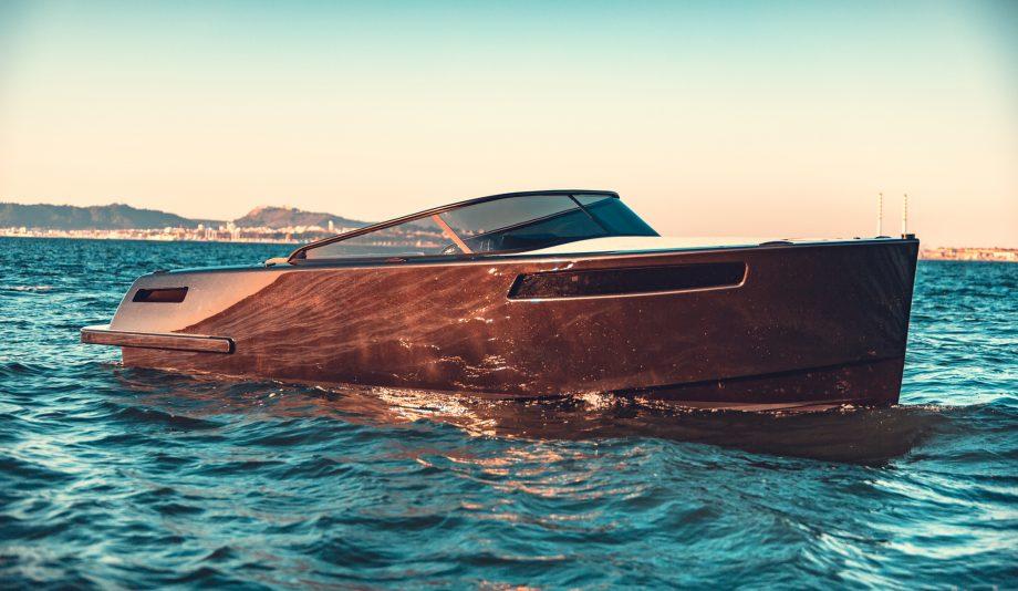 rom-28-new-yachts-exterior-hero