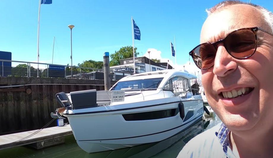 sealine-c430-yacht-tour-video-aquaholic