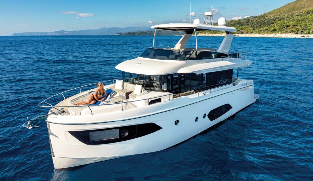 Absolute-Navetta-52-new-yachts-exterior