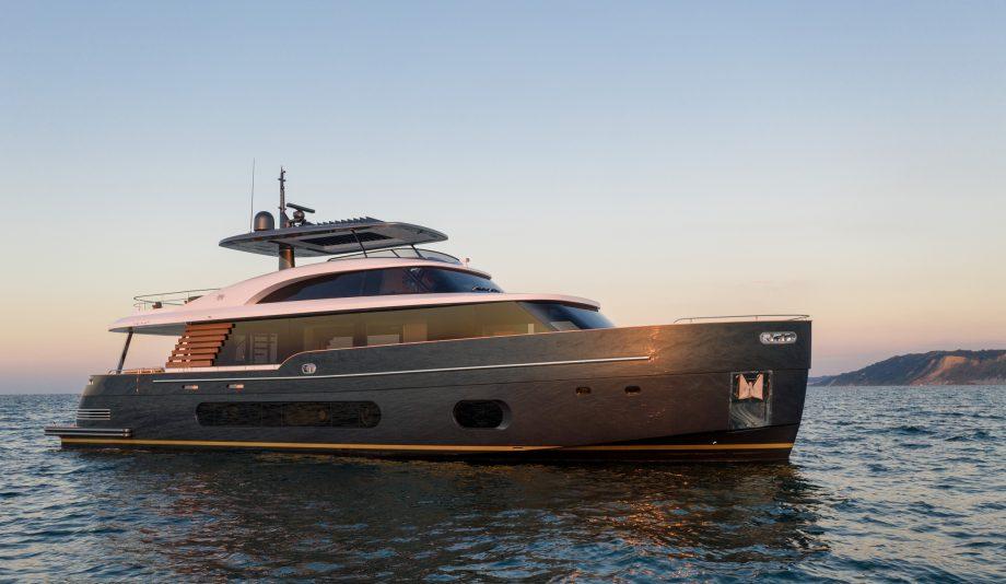 Azimut-Magellano-25-metri-new-yachts-exterior