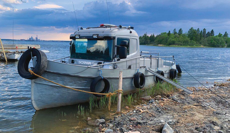 Scania-truck-boat-hybrid-custom-project-hero