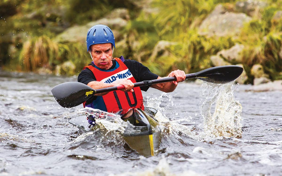 dee-descent-kayaking-credit-Andrew-Morton
