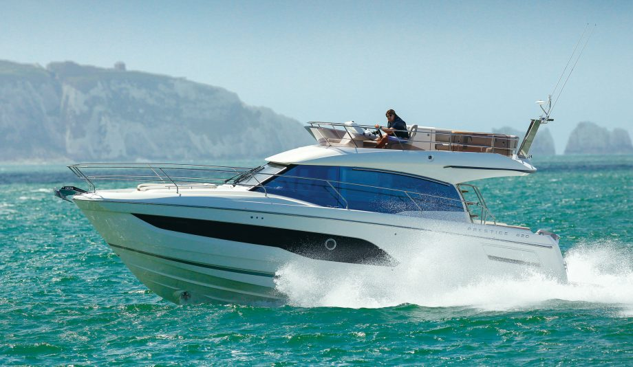 prestige-420-flybridge-yacht-test-video-credit-paul-wyeth