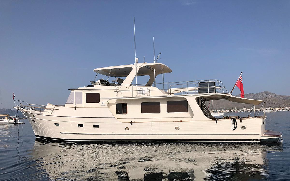 guide-acheteurs-de-bateaux-d'occasion-explorateur-yachts-Fleming-65-Exterior