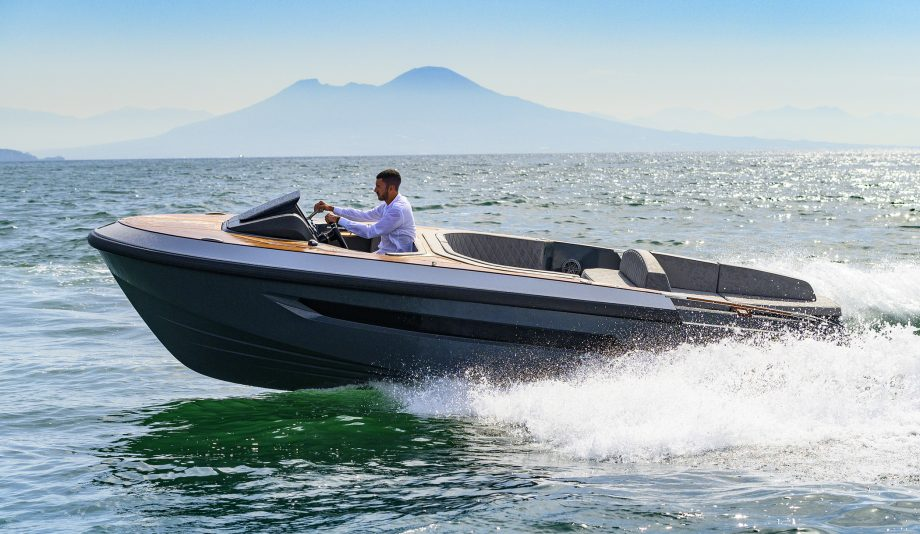 evo-t2-new-yachts-running-shot-hero