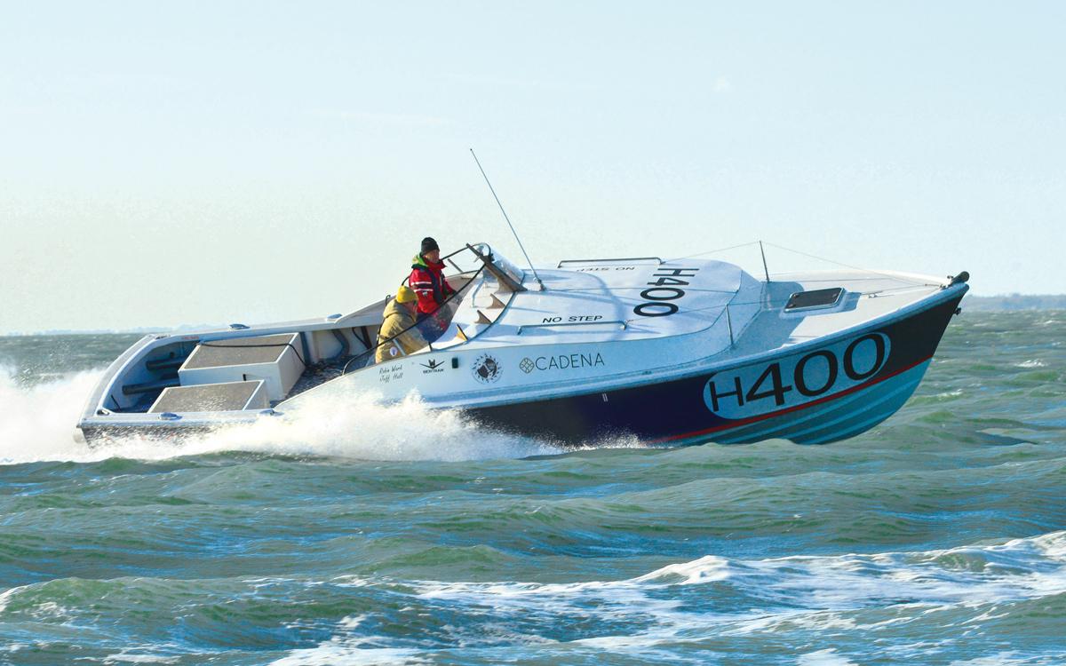 historic-raceboat-thunderstreak-refit-2015-sea-trials