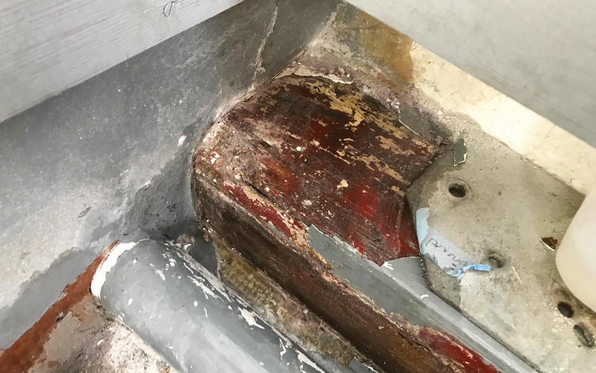 historic-raceboat-thunderstreak-refit-2018-rotten-bulkhead