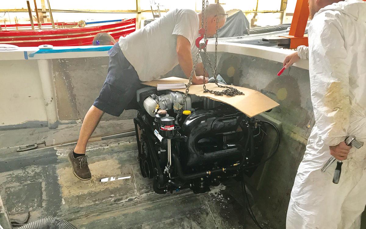 historic-raceboat-thunderstreak-refit-2019-Mercruiser-V8-1st-fit