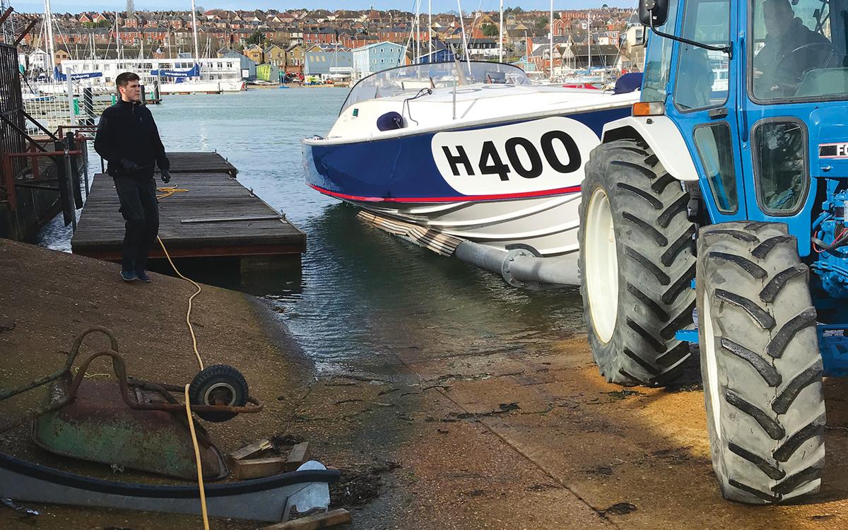 historic-raceboat-thunderstreak-refit-2019-relaunch-float-test