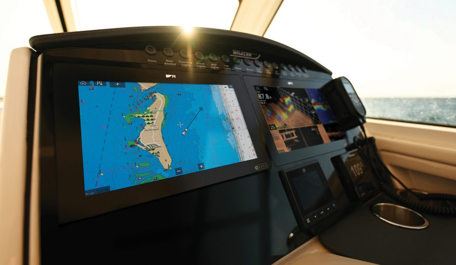 raymarine-lighthouse-charts-Axiom-plus-plotter-Helm