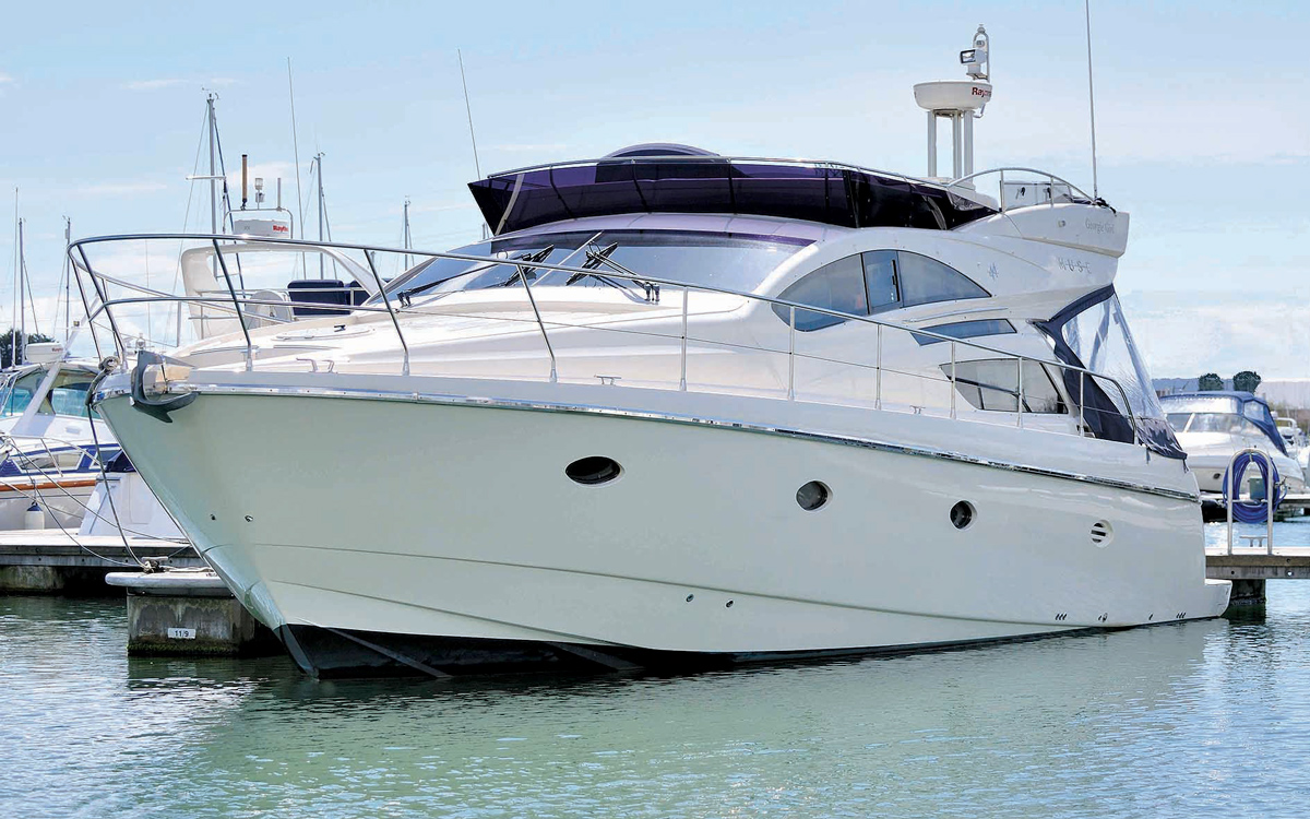 secondhand-boat-buyers-guide-best-45ft-flybridge-yachts-for-sale-Rodman-Muse-44-exterior