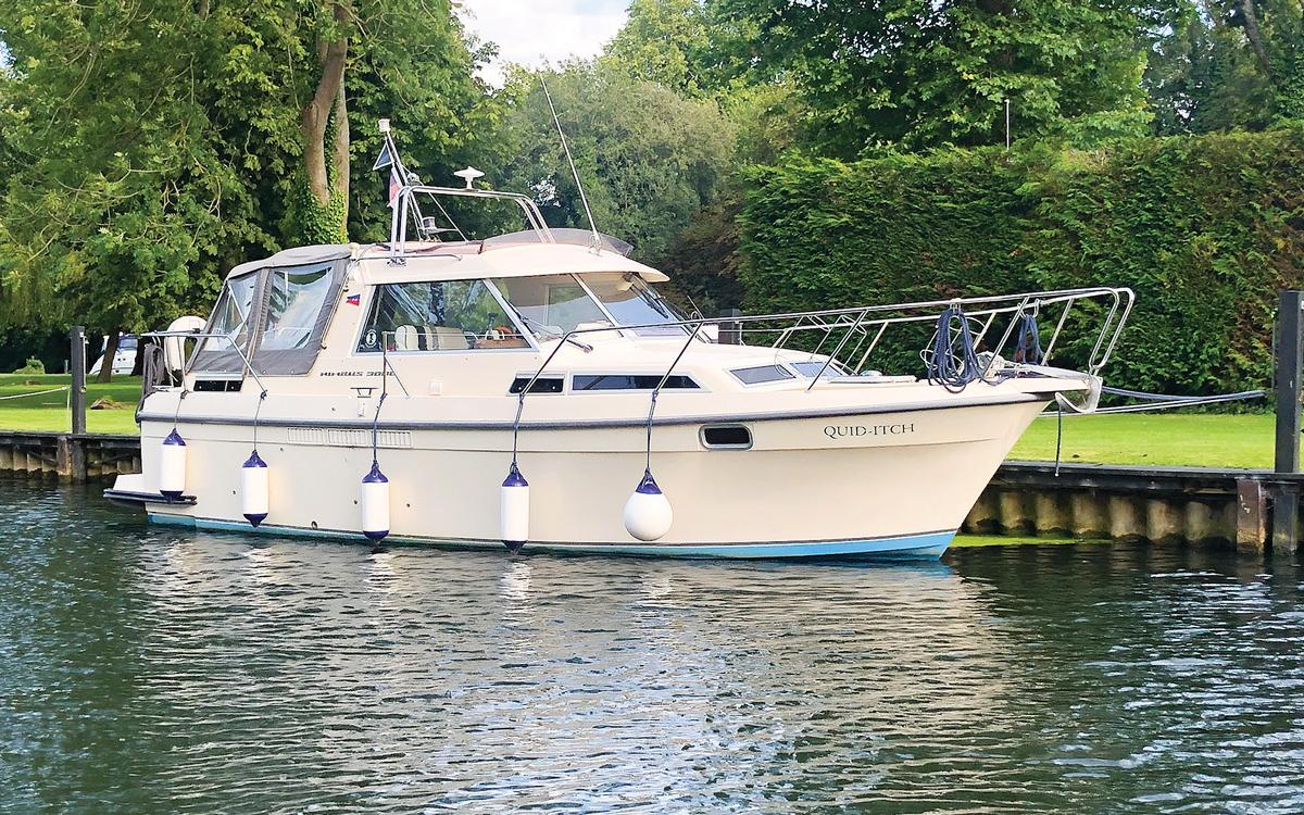 secondhand-boat-buyers-guide-best-under-40000-Nimbus-3000-exterior
