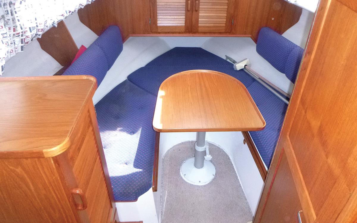 secondhand-boat-buyers-guide-best-under-40000-Saga-26-interior