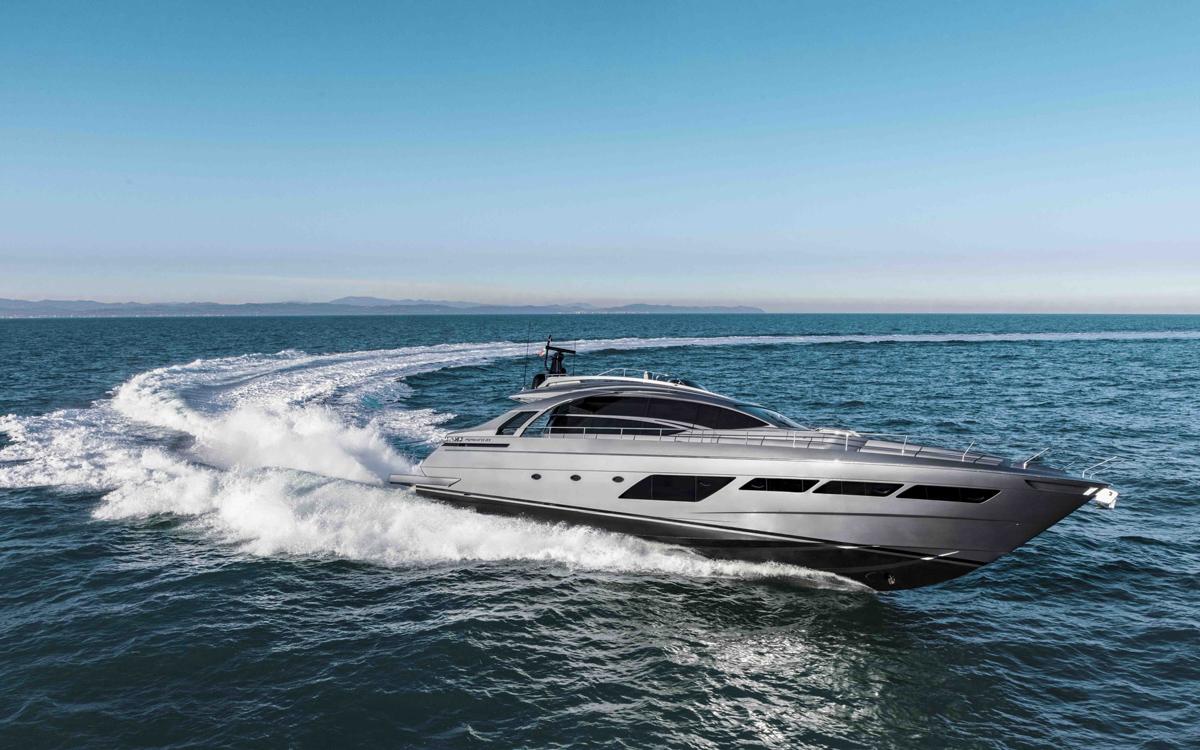 Pershing-8X-yacht-test-review-running-shot