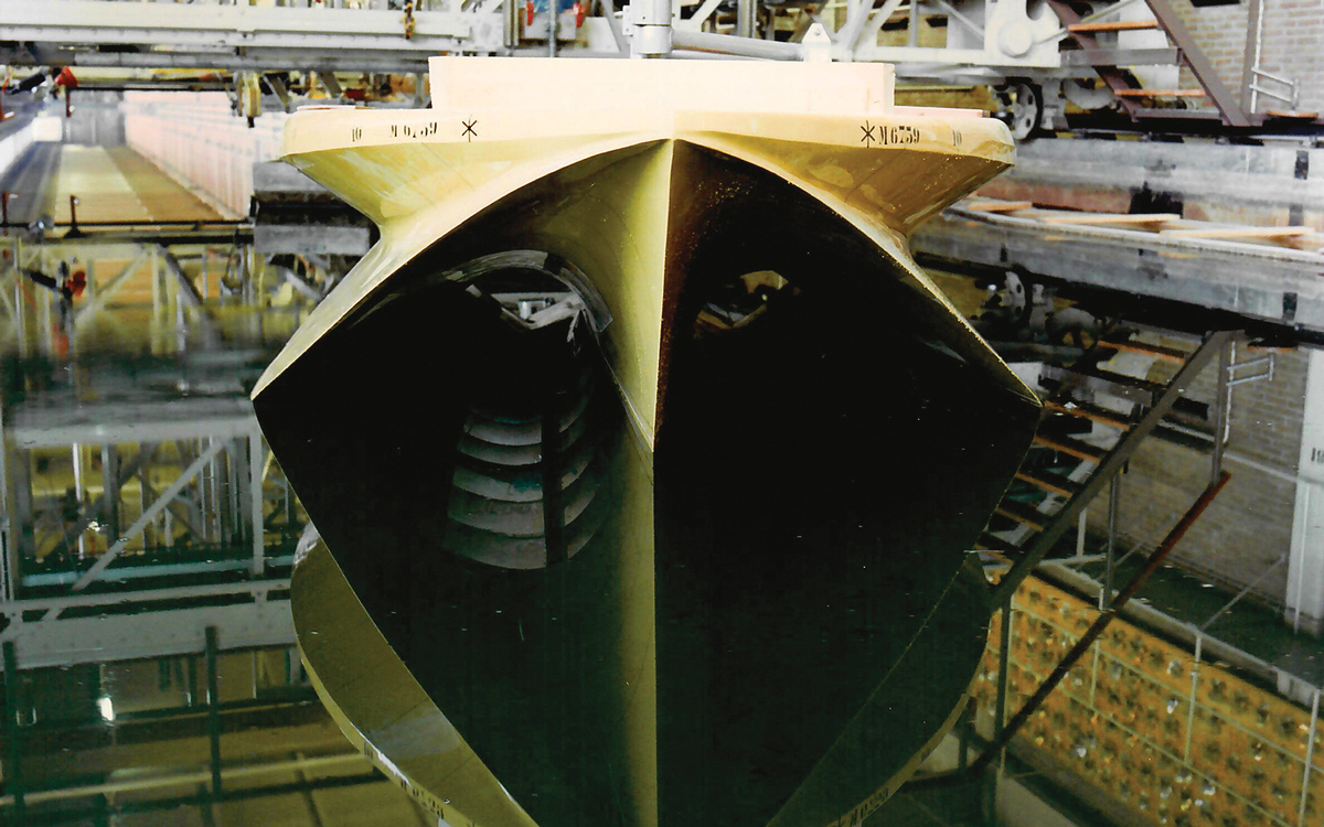 Le meilleur des deux mondes? coup d'œil sur le premier yacht à moteur trimaran au monde | LEEN 72 et LEEN 56