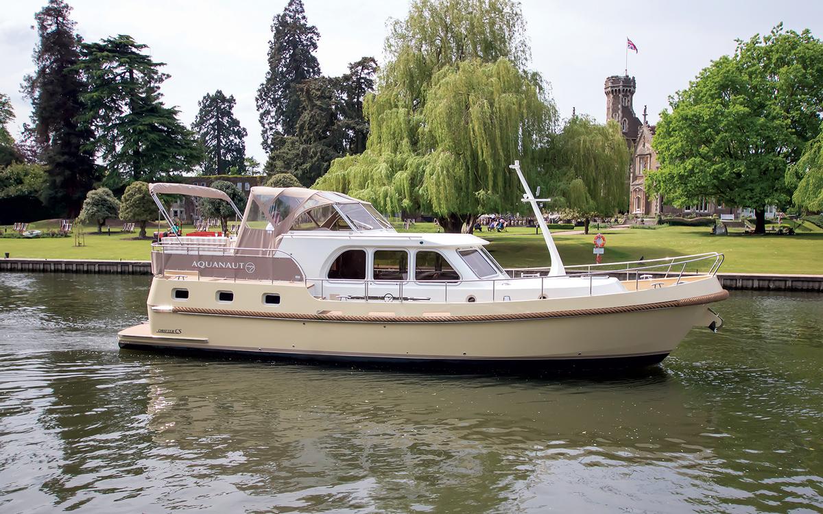 best-riverboats-secondhand-boat-acheteurs-guide-Aquanaut-Drifter-CS1300-AK-extérieur