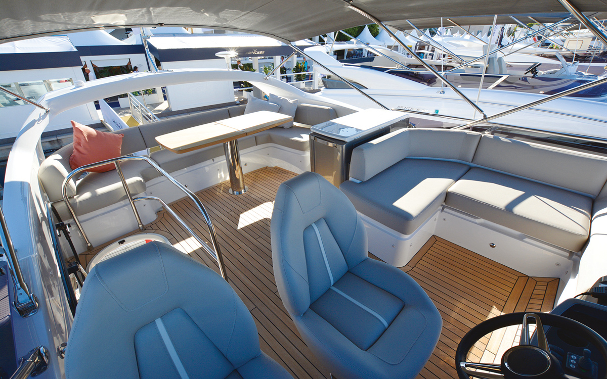 princess-f50-owners-yacht-buying-advice-flybridge