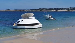 anthenea-pod-floating-hotel-suite-toy-of-the-month