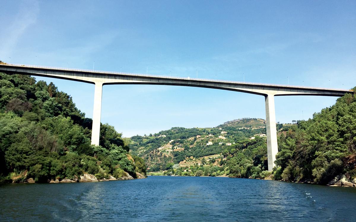 cruising-portugal-Douro-river-bridge-credit-Corinne-Julius