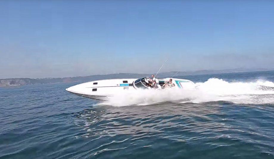 formula-419-sr-i-yacht-tour-test-drive-video