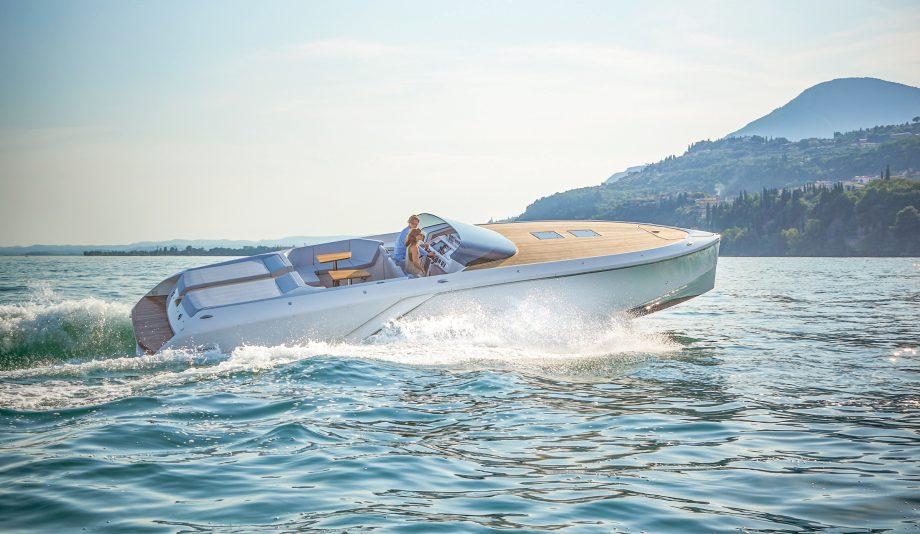 frauscher-1212-ghost-first-look-new-yachts-running-shot-hero