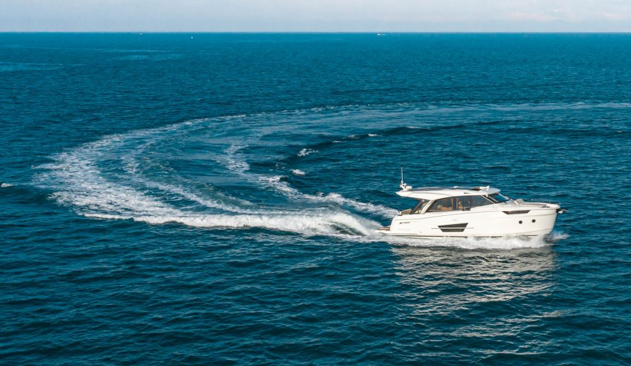 greenline-45-coupe-new-yachts-exterior-running-shot-hero