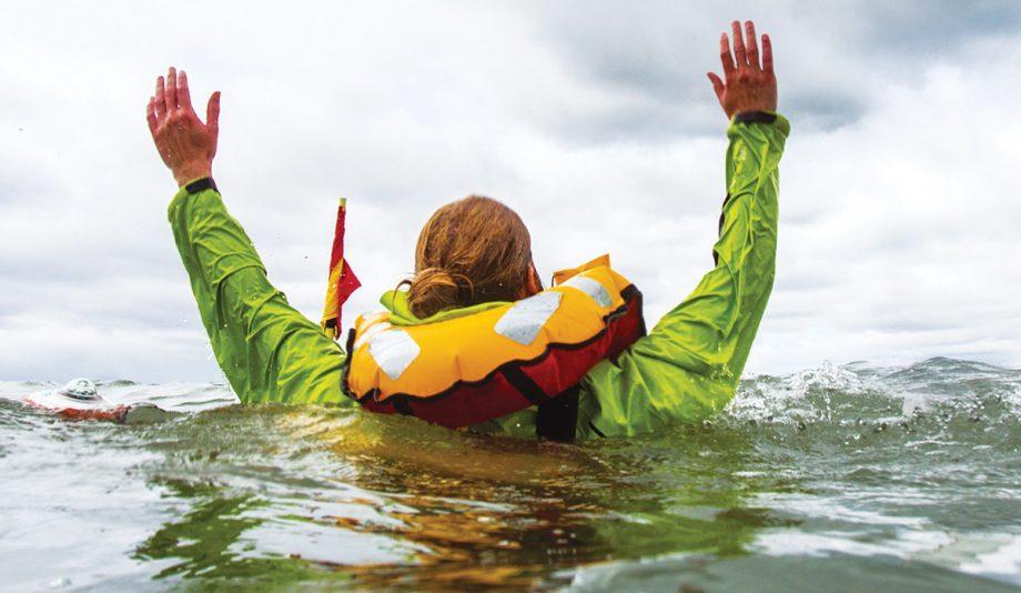 man-overboard-procedure-video-guide-credit-richard-langdon