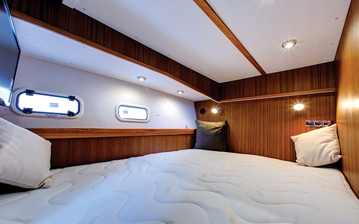 secondhand-boat-buyers-guide-best-all-weather-boats-for-sale-botnia-targa-46-interior-cabin
