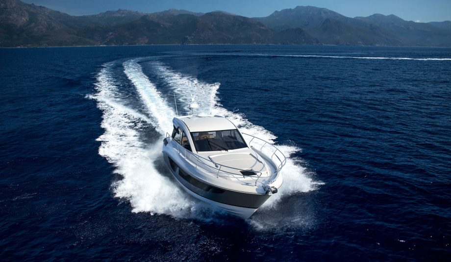 beneteau-gt-41-new-yachts-first-look-bow-running-shot-hero